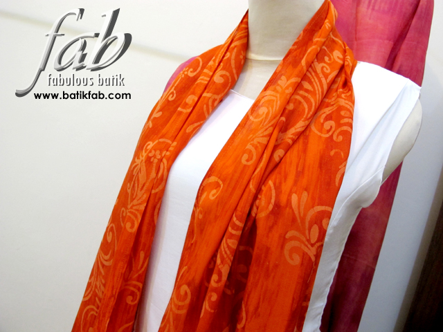 fab_scarf_orangebeauty2